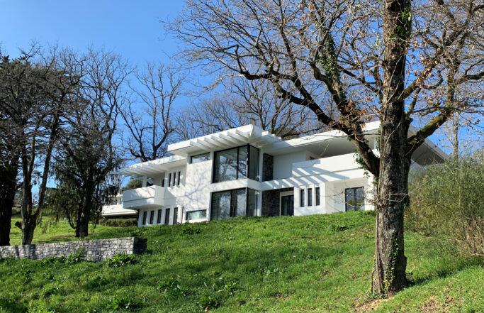 Villa d'artistes collectionneurs en Côte Basque